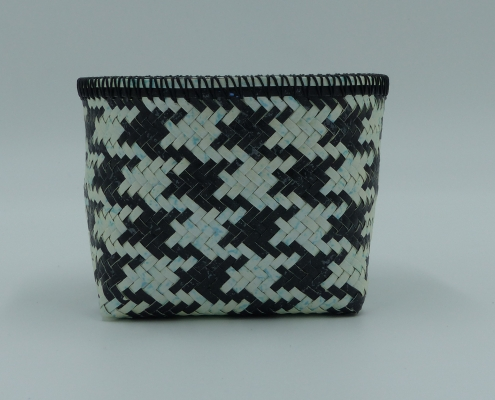 Houndstooth Diagonal Twill